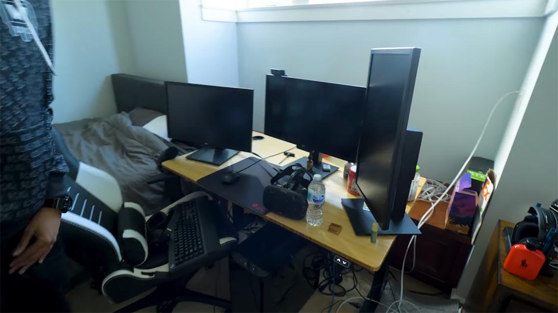 Daequan gaming room setup