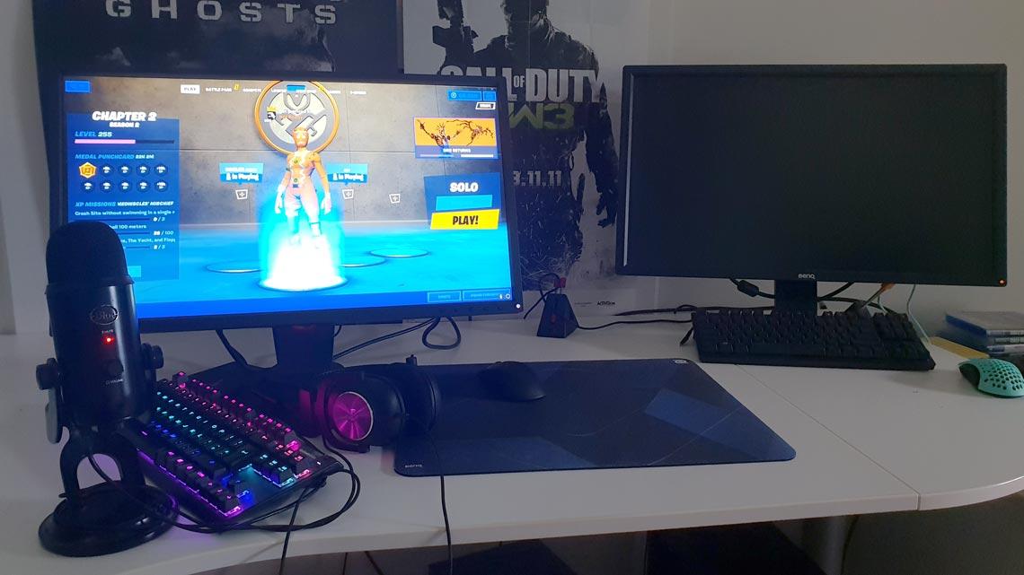 Mitr0 Gaming Room Setup